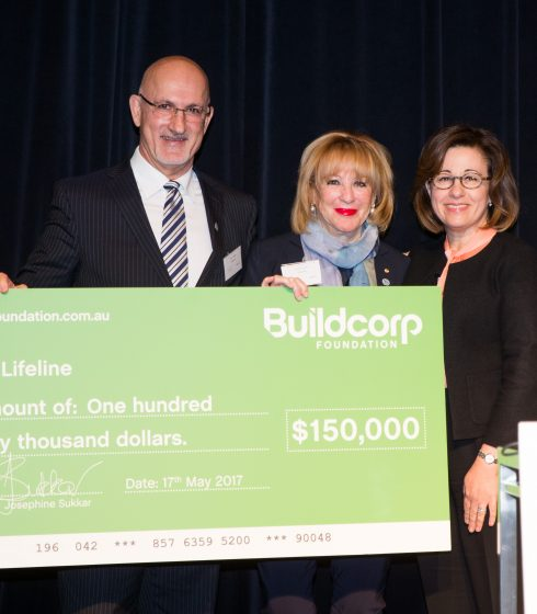 Tony and Josephine Sukkar present Lifeline Board Member Annie Corlett AM with the Foundation's 2017 donation cheque